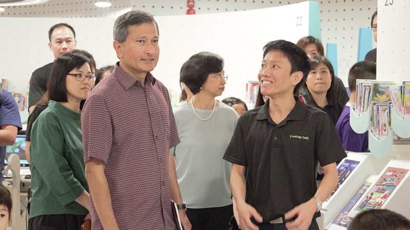 Minister Vivian Balakrishnan with our Co-Founder, Yong Ning Foo