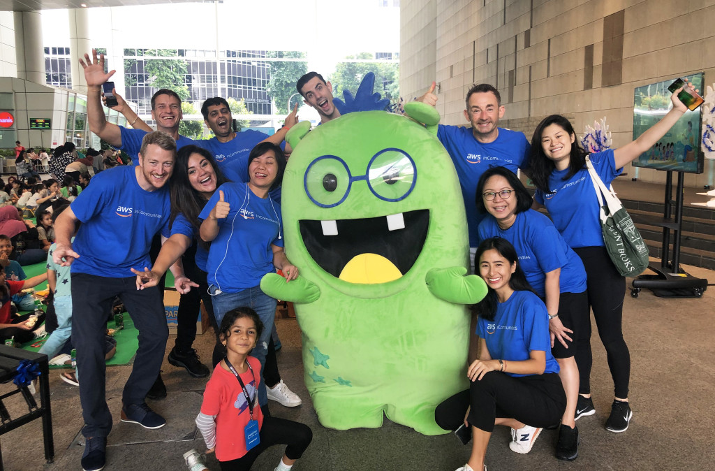 Thank you to all the Amazon Web Services (AWS) volunteers from AWS InCommunities and Connect@Amazon for collaborating with us for this event!