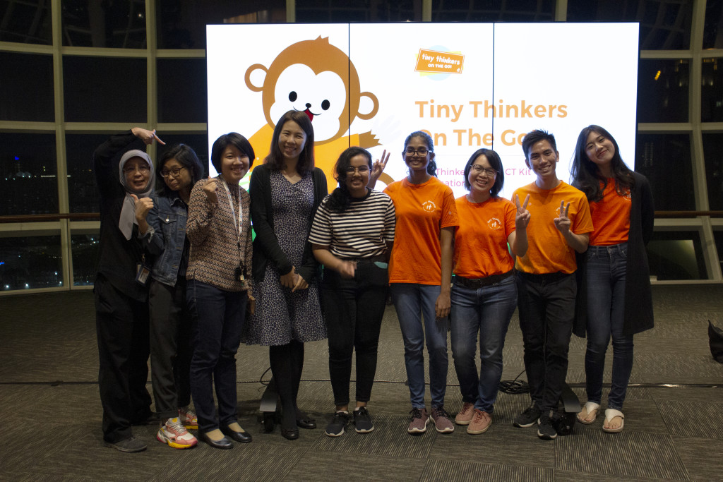 The recent Tiny Thinkers training of around 100 NLB Volunteers with guests Ms Low Tze Hui from IMDA and NLB KidsRead Manager Ms Pearle Chua.