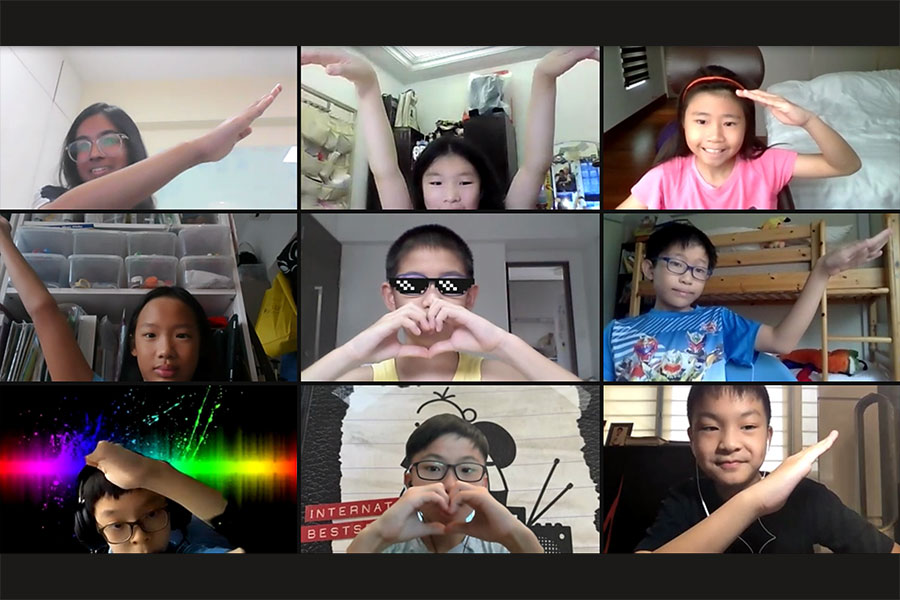 Screenshot of Online Class forming a heart together